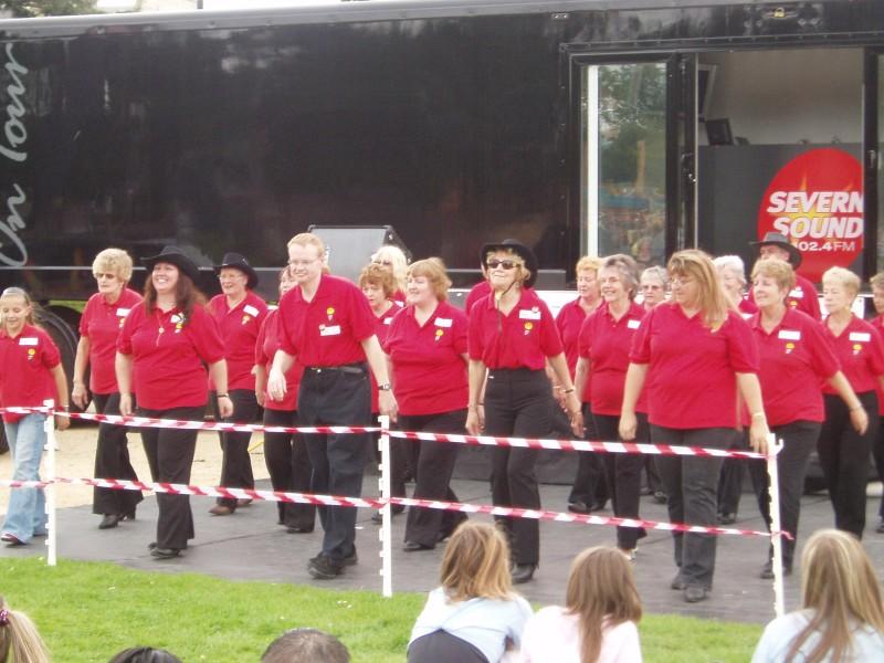 Gloucester Dance 1000